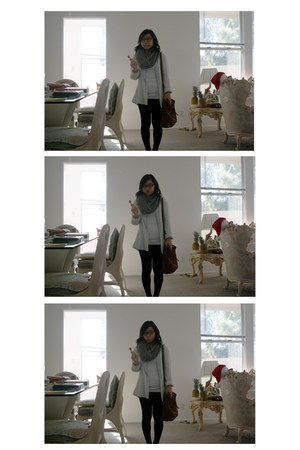 white Forever 21 shirt - black Forever 21 tights - silver Gap scarf - bronze For