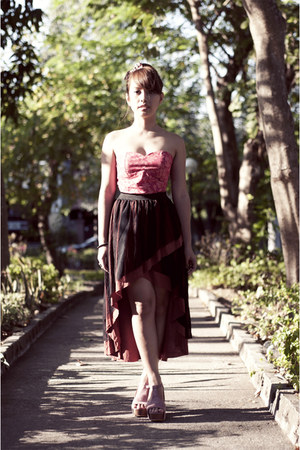 brick red mullet SOHO Central skirt - hot pink bustier intimate