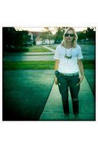 blue Levis jeans - blue vintage scarf - white Hanes shirt - gold vintage necklac