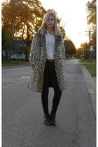 camel vintage coat - white vintage blouse - gold vintage necklace - navy Levis j