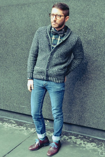charcoal gray rag & bone cardigan - navy H&M jeans