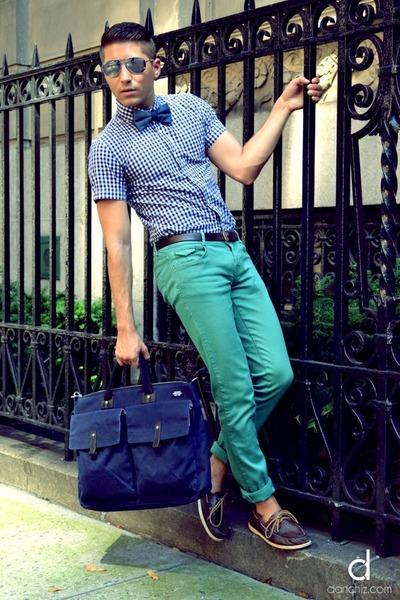 navy JCrew shirt - dark brown sperry topsider shoes - blue Jack Spade bag