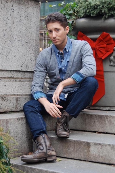 dark brown Aldo boots - navy Levis jeans - light blue Esprit shirt