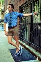 green The Tie Bar tie - sky blue Esprit shirt - light brown Club Monaco shorts