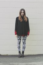 black printed Maurie and Eve jeans - crimson patent leather Sempre Di boots