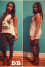Olive-green-zara-pants-urban-outfitters-t-shirt-aldo-wedges
