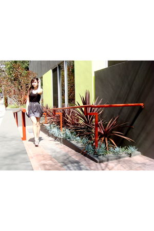 black Urban Outfittersfitters top - gray Seneca Rising skirt - gray Pour La Vict