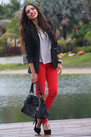 red Zara jeans - black Zara blazer - black Mimi Boutique bag