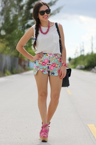 bubble gum Dolce Vita wedges - navy Mimi Boutique bag - aquamarine romwe shorts
