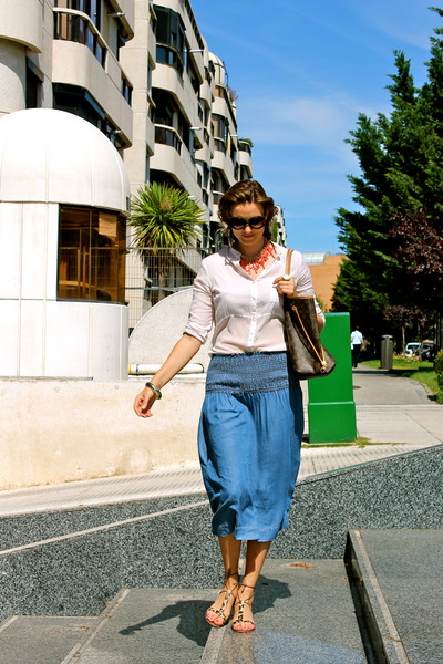 Mango skirt - Stradivarius shirt - Louis Vuitton bag - Prada sunglasses