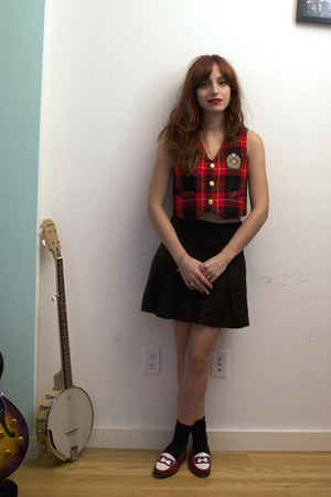 brick red Trashy Vintage vest - black skirt - brick red bass  rachel antonoff lo