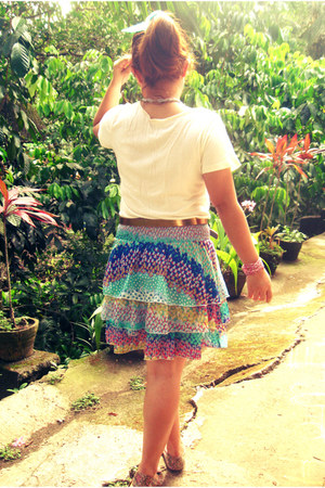 colorful Never Been Kissed skirt - floral MSE flats - gold Metro belt