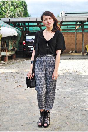 Love Vintage Manila pants - black Hoola shirt - black Soule Phenomenon shoes