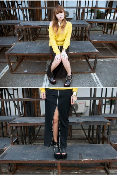 black zippered maxi skirt - yellow knit sweater