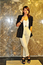 black Love Vintage blazer - white pocket tank Zara - black clogs Zara