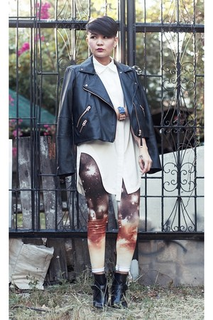 black leather jacket - black buckled boots - tawny cosmic print leggings