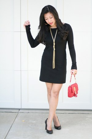 black Theory dress - red Aldo purse - black and gold Forever 21 earrings - jessi