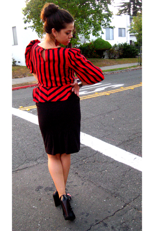 consignment blouse - Express jacket - BCBG skirt - Monserat De Lucca purse - Dol