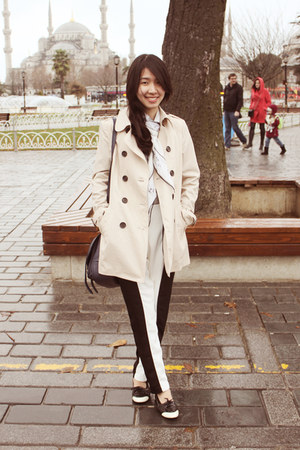 tan Stradivarius coat - white Topshop scarf