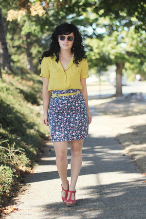 yellow worn as top modcloth dress - pink vintage sunglasses