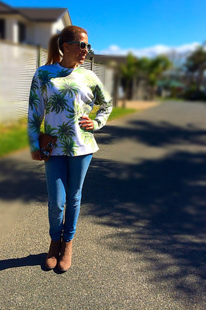 green Glassons jumper - blue H&M jeans - cotton on bag - cotton on glasses