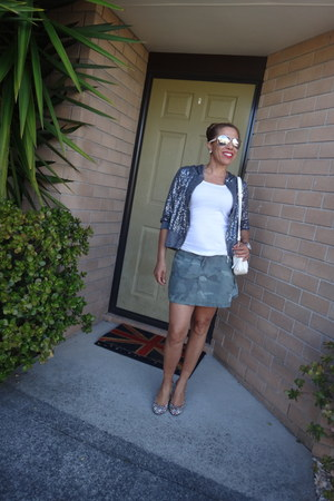 Atmosphere jacket - Gucci bag - Guess sunglasses - Roxy skirt - Forever 21 heels