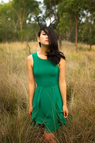 black Alannah Hill hair accessory - green Wish Clothing dress