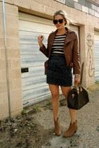 navy Forever 21 skirt - dark brown Louis Vuitton bag - gray Old Navy t-shirt