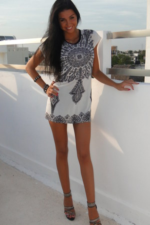 white Maya Store Mexico dress