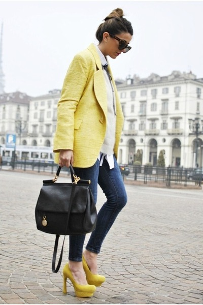 yellow blazer - skinny jeans - black leather bag - animal print sunglasses