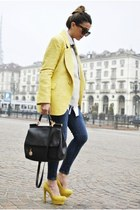YELLOW CHIC