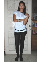Hanes t-shirt - SM belt - F&H shorts - tights - shoes