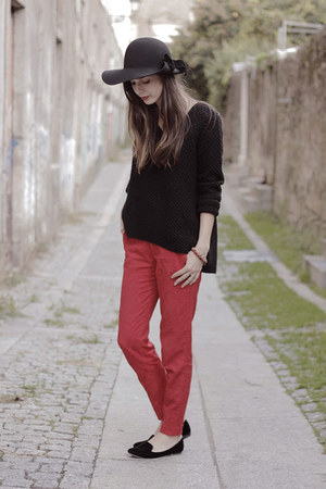 Uterque hat - Zara pants - Zara jumper - Zara loafers