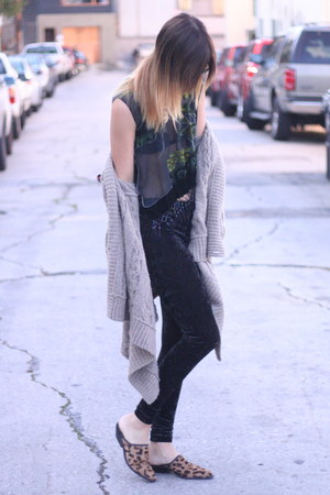 leggings - shoes - blouse - sweater
