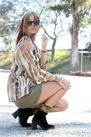 vintage boots - knit Urban Outfitters shorts - diy vintage blouse