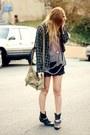 Plaid-vintage-shirt-destroyed-vintage-t-shirt-lace-billabong-skirt