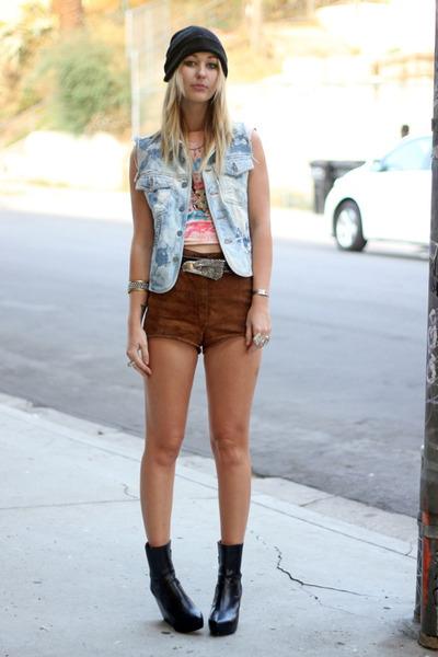 Tunnel Vision shirt - vagabond boots - vintage shorts