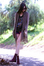 Maroon-dkny-boots-guess-shorts-fringe-bb-dakota-cardigan