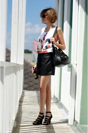 Topshop top - Rag Doll bra - Urban Outfitters skirt - Forever 21 shoes - Boyy pu