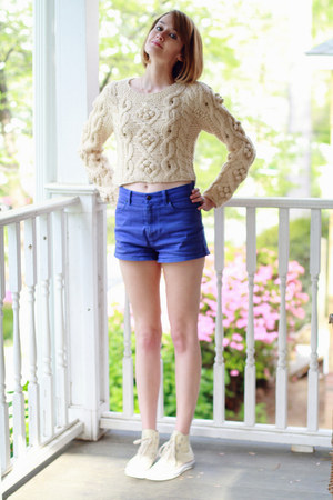 off white cableknit romwe sweater - violet high-waisted Ksubi shorts