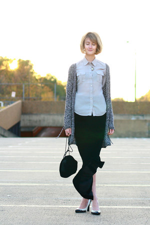black vintage skirt - beige H&amp;M blouse - black vintage bag - white Betseyville s