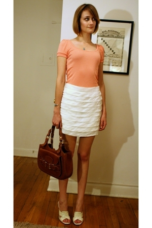 Michael Stars top - Reiss skirt - Marc Jacobs shoes - Bally purse - Navajo neckl
