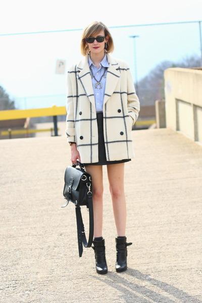 white plaid vintage coat - black ankle boots balenciaga boots