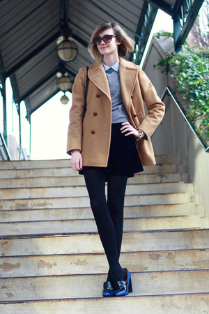 navy velvet romwe skirt - camel vintage peacoat Brooks Brothers coat