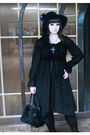 Black-asymetrical-moi-meme-moitie-dress-black-antique-beast-hat