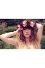 Ivory-lily-j-london-dress-crimson-doll-poupée-hair-accessory