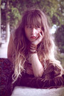 Ivory-doll-poupée-hair-accessory-ivory-vila-top