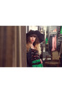 Red-les-ptites-bombes-bag-black-alanis-hat-green-lavand-skirt