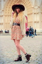 black vintage shoes - tan Choies dress - brown American Apparel hat
