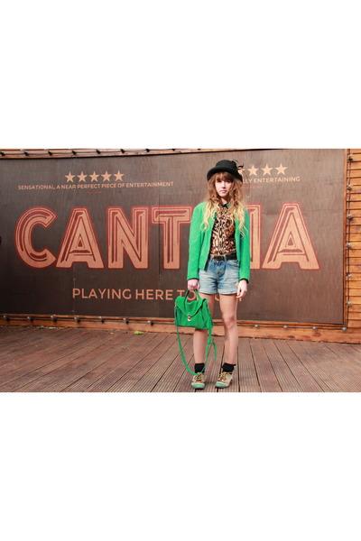 Zara top - H&M hat - Vero Moda jacket - Urban Outfitters bag - Zara shorts
